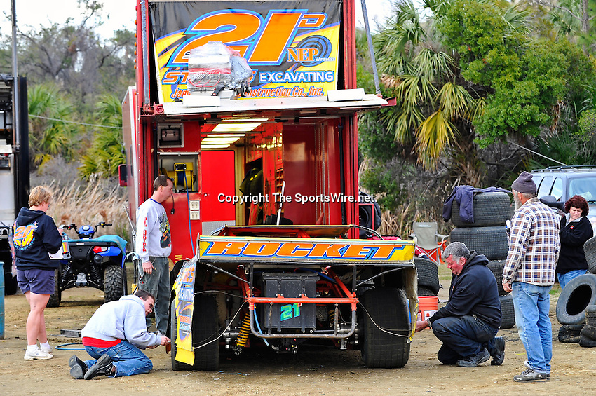 Feb 12, 2011; 5:29:50 PM; Gibsonton, FL., USA; The Lucas Oil Dirt Late Model Racing Series running The 35th annual Dart WinterNationals at East Bay Raceway Park.  Mandatory Credit: (thesportswire.net)