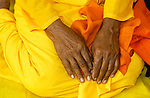 ANURADHAPURA, TEMPLE OF SRI MAHA BODHI, ANURADHAPURA DISTRICT, NORTHERN CENTRAL PROVINCE, SRI LANKA..NUN, NONNE, PEOPLE, PORTRAIT, HANDS, WOMAN,.RELIGION, BUDDHIST, BUDDHA, HISTORICAL SITE, BODHI TREE, HOLY TREE, .THE TEMPLE OF SRI MAHA BODHI IS ONE OF THE MOST HOLY PLACES IN SRI LANKA..©Photo: Paul J.Trummer, Mauren / FL .www.travel-lightart.com..LEICA DIGILUX 2.
