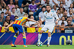 Daniel Carvajal Ramos (r) of Real Madrid battles for the ball with Antonio Latorre Grueso, Lato, of Valencia CF during their La Liga 2017-18 match between Real Madrid and Valencia CF at the Estadio Santiago Bernabeu on 27 August 2017 in Madrid, Spain. Photo by Diego Gonzalez / Power Sport Images