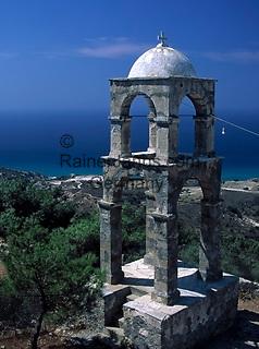 Griechenland, Dodekanes, Kos, Kefalos: alleinstehender Glockenturm der Kirche Agios Ioannis   Greece, Dodekanes, Kos, Kefalos: bell tower of church Agios Ioannis