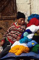 Amérique/Amérique du Sud/Pérou/Pisac : Le marché - Marchand de laine