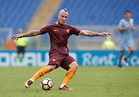 Calcio, Serie A: Roma vs Sampdoria. Roma, stadio Olimpico, 11 settembre 2016.<br /> Roma's Radja Nainggolan kicks the ball during the Italian Serie A football match between Roma and Sampdoria at Rome's Olympic stadium, 11 September 2016. Roma won 3-2.<br /> UPDATE IMAGES PRESS/Isabella Bonotto