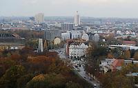 Stadtansichten 2009 - Luftaufnahme vom Völkerschlachtdenkmal Völki aus über die Prager Straße in Richtung Innenstadt - im Bild: Messehalle 1 (Alte Messe), Hotel Westin Leipzig  . Foto: Norman Rembarz..Norman Rembarz , ( ASV-Autorennummer 41043728 ), Holbeinstr. 14, 04229 Leipzig, Tel.: 01794887569, Hypovereinsbank: BLZ: 86020086, KN: 357889472, St.Nr.: 231/261/06432 - Jegliche kommerzielle Nutzung ist honorar- und mehrwertsteuerpflichtig! Persönlichkeitsrechte sind zu wahren. Es wird keine Haftung übernommen bei Verletzung von Rechten Dritter. Autoren-Nennung gem. §13 UrhGes. wird verlangt. Weitergabe an Dritte nur nach  vorheriger Absprache..