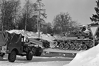 - NATO exercises AMF (Allied Mobil Force) in Norway, february 1986; transport of an M 24 tank of the Royal Norwegian Army <br /> <br /> - Esercitazioni NATO AMF (Allied Mobil Force) in Norvegia, febbraio 1986; trasporto di un carro armato M24 del Reale Esercito Norvegese