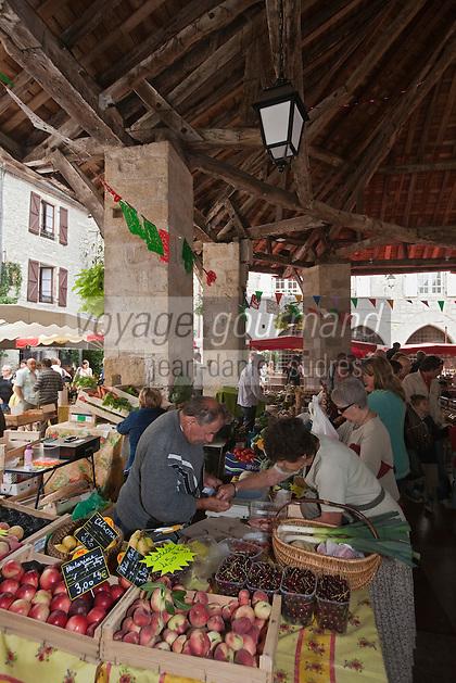 Europe/Europe/France/Midi-Pyrénées/46/Lot/Martel: Le marché fermier sous la Halle - Halle de la fin du XVIIIe siècle remarquable pour sa charpente en châtaignier