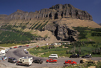 AJ3606, Glacier National Park, Montana, Rocky Mountains, Waterton-Glacier International Peace Park, Cars line the winding Going-to-the-Sun road through Glacier National Park in the state of Montana.