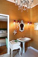 vintage luxury bathroom