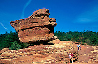 Balanced Rock, Huge sedimentary rock formation in the Garden of the Gods Park, Colorado