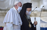 Pope Francis (R) and the Ecumenical patriarch of Costantinople Bartholomew I (L) attends a ceremony for peace with representatives from various religions in Campidoglio Square in Rome on October 20, 2020<br /> (Photo by Stefano Spaziani)