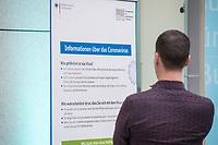 Bundesgesundheitsminister Jens Spahn empfing am Mittwoch den 4. Maerz 2020 die Gesundheitsminister und Gesundheitsmministerinnen und Gesundheitssenatorinnen der Bundeslaender in Berlin zu einem Gespaech ueber die aktuelle Lage zum Coronavirus und ueber ein Gesamtkonzept der Gesundheitsfachberufe.<br /> Im Bild: Ein Aufsteller mit Informationen zum Coronavirus im Foyer des Gesundheitsministerium.<br /> 4.3.2020, Berlin<br /> Copyright: Christian-Ditsch.de<br /> [NUR FUER REDAKTIONELLE ZWECKE! Werbung nur auf Anfrage beim Fotografen. Inhaltsveraendernde Manipulation des Fotos nur nach ausdruecklicher Genehmigung des Fotografen. Vereinbarungen ueber Abtretung von Persoenlichkeitsrechten/Model Release der abgebildeten Person/Personen liegen nicht vor. NO MODEL RELEASE! Don't publish without copyright Christian-Ditsch.de, Veroeffentlichung nur mit Fotografennennung, sowie gegen Honorar, MwSt. und Beleg. Konto: I N G - D i B a, IBAN DE58500105175400192269, BIC INGDDEFFXXX, Kontakt: post@christian-ditsch.de<br /> Bei der Bearbeitung der Dateiinformationen darf die Urheberkennzeichnung in den EXIF- und  IPTC-Daten nicht entfernt werden, diese sind in digitalen Medien nach §95c UrhG rechtlich geschuetzt. Der Urhebervermerk wird gemaess §13 UrhG verlangt.]