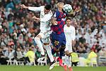 Real Madrid's Carlos Henrique Casemiro (l) and FC Barcelona's Arturo Vidal during La Liga match. March 1,2020. (ALTERPHOTOS/Acero)