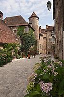 Europe/Europe/France/Midi-Pyrénées/46/Lot/Carennac: Maison du XV ème à tourelle, façe à l'église -Plus Beaux Villages de France