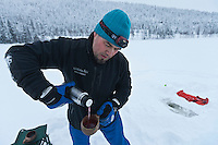 Europe/Finlande/Laponie/Levi: Pêche blanche avec Timo Nikkinen sur le Lac Immeljärvi