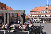 """Granit-Skulptur """"Stonehenge"""" von Jun-Ichi Inoue auf dem Store Torv in Rønne, Insel Bornholm, Dänemark, Europa<br /> Granite-Sculpture """"Stonehenge"""" by Jun-Ichi Inoue at  Store Torv, Roenne, Isle of Bornholm, Denmark"""
