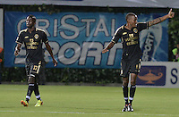 BOGOTÁ -COLOMBIA-20-04-2014. Jair Palacios (Der) de Fortaleza FC celebra un gol en contra de Deportivo Pasto durante partido por la fecha 18 de la Liga Postobón I 2014 jugado en el estadio Metropolitano de Techo en Bogotá./ Jair Palacios (R) of Fortaleza FC celebrates a goal against Deportivo Pasto during the match for the 18th date of Postobon League I 2014 played at Metropolitano de Techo stadium in Bogota. Photo: VizzorImage / Gabriel Aponte / Staff
