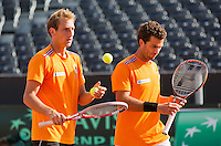 12-09-12, Netherlands, Amsterdam, Tennis, Daviscup Netherlands-Swiss, Training Netherlands, Jean-Julien Rojer and Thiemo de Bakker (L)in the doubles.