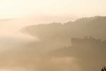 Europa, DEU, Deutschland, Rheinland Pfalz, Naturpark Saar-Hunsrueck, Kastel-Staadt, Saartal, Nebel, Dunst, bei Sonnenaufgang, Felsen, Silhouette, Kategorien und Themen, Natur, Umwelt, Landschaft, Jahreszeiten, Stimmungen, Landschaftsfotografie, Landschaften, Landschaftsphoto, Landschaftsphotographie, Wetter, Himmel, Wolken, Wolkenkunde, Wetterbeobachtung, Wetterelemente, Wetterlage, Wetterkunde, Witterung, Witterungsbedingungen, Wettererscheinungen, Meteorologie, Bauernregeln, Wettervorhersage, Wolkenfotografie, Wetterphaenomene, Wolkenklassifikation, Wolkenbilder, Wolkenfoto....[Fuer die Nutzung gelten die jeweils gueltigen Allgemeinen Liefer-und Geschaeftsbedingungen. Nutzung nur gegen Verwendungsmeldung und Nachweis. Download der AGB unter http://www.image-box.com oder werden auf Anfrage zugesendet. Freigabe ist vorher erforderlich. Jede Nutzung des Fotos ist honorarpflichtig gemaess derzeit gueltiger MFM Liste - Kontakt, Uwe Schmid-Fotografie, Duisburg, Tel. (+49).2065.677997, ..archiv@image-box.com, www.image-box.com]