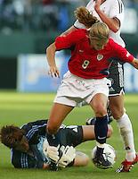 Mia Ham, Silke Rottenberg, USA vs. Germany, 2003 WWC.