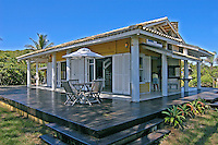 Casa de veraneio na praia, Ilha do Mél. Paraná. 2004. Foto de Renata Mello.