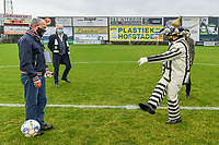 kick-off mascotte Eendracht Aalst pictured before a female soccer game between Eendracht Aalst and Standard Femina de Liege on the 11 th matchday of the 2020 - 2021 season of Belgian Scooore Womens Super League , Saturday 23 of January 2021  in Aalst , Belgium . PHOTO SPORTPIX.BE | SPP | STIJN AUDOOREN