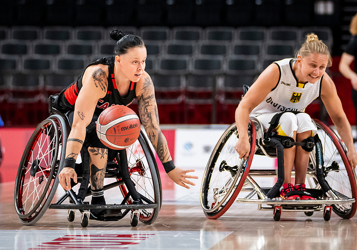 Cindy Ouellet, Tokyo 2020 - Wheelchair Basketball // Basketball en fauteuil roulant.<br /> Canada takes on Germany in a women's preliminary game // Le Canada affronte le Japon dans un match préliminaire masculin. 28/08/2021.
