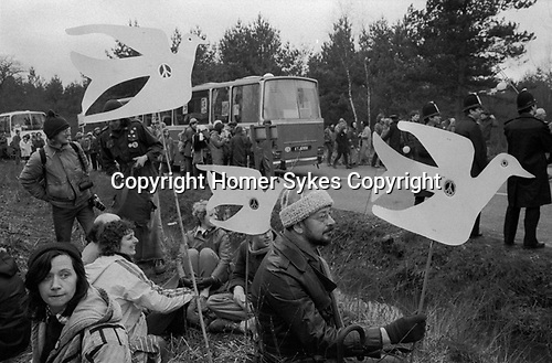 Greenham common Womens Peace movement 1985. People protesting holding white Peace Doves Uk 1980s