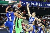 Markel Starks (Fraport Skyliners), Niklas Kiel (Fraport Skyliners)2 und Mahir Agva (Fraport Skyliners) verteidigen gegen Gregory Echenique (Guaros de Lara) - Fraport Skyliners vs. Guaros de Lara, Fraport Arena Frankfurt, FIBA Intercontinental Cup 2016