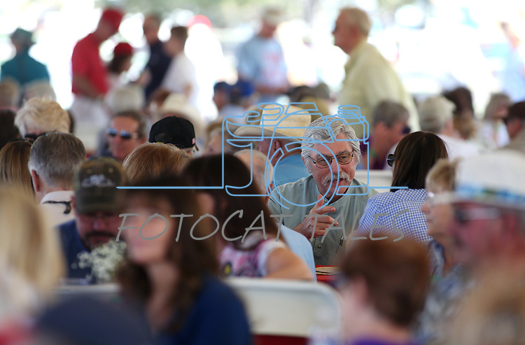 More than 1,000 people attend the second annual Basque Fry in Gardnerville, Nev., on Saturday, Aug. 20, 2016. Cathleen Allison/Las Vegas Review-Journal