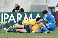 Firenze 24/11/2012 .Rugby test match Stadio Franchi Italia vs Australia .Nella foto il momento dell' infortunio di Mirco Bergamasco al ginocchio.Photo Matteo Ciambelli / Insidefoto