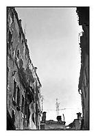 acqua alta a Venezia, riflessi, 1973