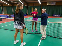Wateringen, The Netherlands, December 1,  2019, De Rhijenhof , NOJK 12 and16 years, Final girls 16 years: Anouk Koevermans (NED) (L) and Florentine Dekkers (NED) with the toss<br /> Photo: www.tennisimages.com/Henk Koster