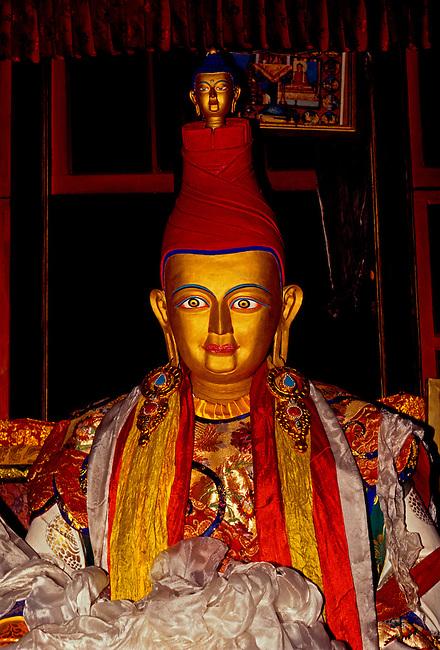Statue of King Songtsen Gampo at Tombs of the Tibetan Kings, Tibet Autonomous Region, China, Asia