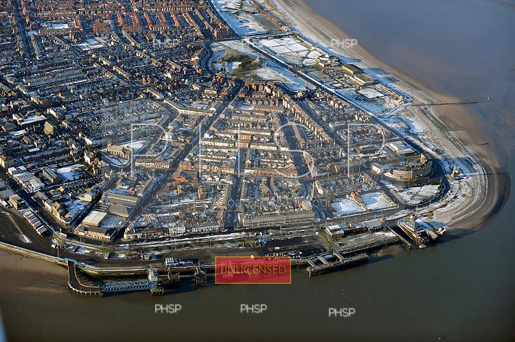 09/01/2010  Blackpool & Fylde Coast Aerial snow views..Fleetwood, Dock St/Esplande....© Phill Heywood.