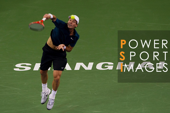 SHANGHAI, CHINA - OCTOBER 12:  Tomas Berdych of Czech Republic serves to Tommy Robredo of Spain during day two of the 2010 Shanghai Rolex Masters at the Shanghai Qi Zhong Tennis Center on October 12, 2010 in Shanghai, China.  (Photo by Victor Fraile/The Power of Sport Images) *** Local Caption *** Tomas Berdych