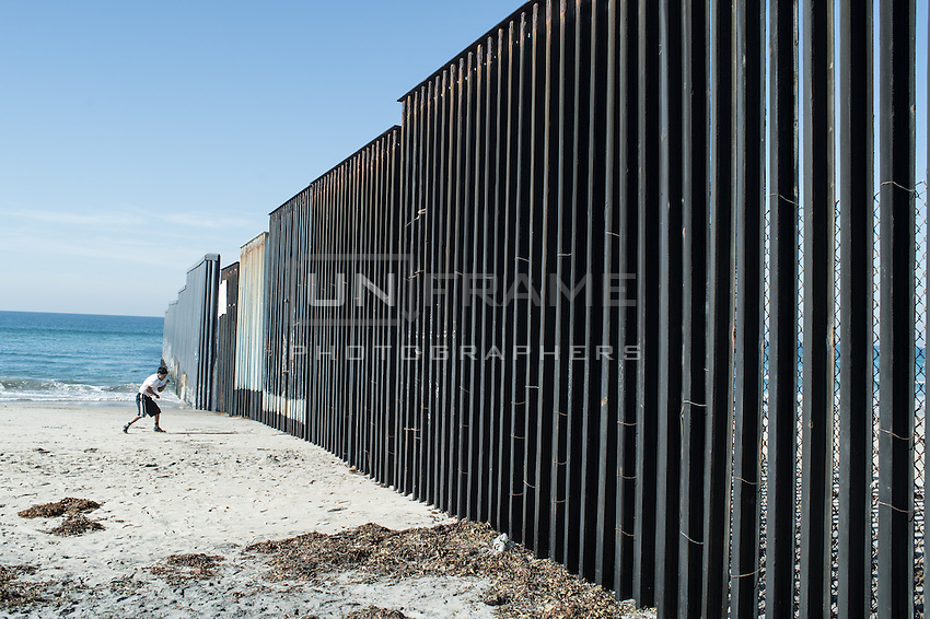 View of the border going to the sea under strict US surveillance. Tijuana, Mexico. Jan 04, 2015.