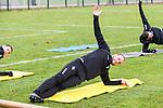 Bei Dehnuebungen ist Manuel Stiefler beim Training in der 3. Liga des SV Waldhof Mannheim.<br /> <br /> Foto © PIX-Sportfotos *** Foto ist honorarpflichtig! *** Auf Anfrage in hoeherer Qualitaet/Aufloesung. Belegexemplar erbeten. Veroeffentlichung ausschliesslich fuer journalistisch-publizistische Zwecke. For editorial use only.
