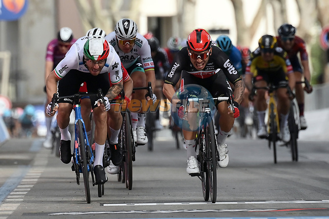 Caleb Ewan (AUS) Lotto-Soudal outsprints Giacomo Nizzolo (ITA) Team Qhubeka Assos to win Stage 5 of the 2021 Giro d'Italia, running 177km from Modena to Cattolica, Italy. 12th May 2021.  <br /> Picture: LaPresse/Gian Mattia D'Alberto | Cyclefile<br /> <br /> All photos usage must carry mandatory copyright credit (© Cyclefile | LaPresse/Gian Mattia D'Alberto)