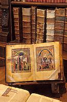 Europe/France/Midi-Pyrénées/46/Lot/Cahors: La bibliothèque - Détail vieux livre