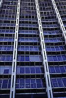 SUDAFRICA - Kimberley, miniera di diamanti di Bultfontein ( Miniere De Beers): l'edificio dove vengono lavorati i diamanti; le finestre sono orientabili per evitare i riflessi solari.