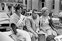 Parade pour l'inauguration de CJRP, le  15 juin 1969<br /> - Gilles Latulippe<br /> <br /> Photographe : Photo Moderne<br />  - AGENCE QUEBEC PRESSE
