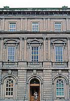 Edinburgh: Scottish Records Office Annex, West Register St.  Photo '90.
