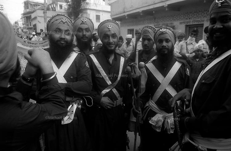 11.2010 Bundi (Rajasthan)<br /> <br /> Sikh monks during guru Nanak festival.<br /> <br /> Moines sikh pendant la fête de guru Nanak.