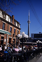Toronto (ON) CANADA, April 19, 2007....People fill up terrasses on Queen Street West on the first warm day of the year , in Toronto.....Over the subsequent days, temperature reached above 25 C......photo by Pierre Roussel - Images Distribution