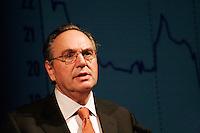 Robert Tessier, president et chef de la direction de Gaz MÈtro<br /> Assemblee Annuelle GAZ annual meeting<br /> Montreal, feb 2 , 2006