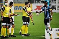 PORTO ALEGRE, (RS), 19.03.2021 - GREMIO - AIMORE – O árbitro Lucas Guimarães Horn, na partida entre Grêmio e Aimoré, válida pela 5ªrodada do Campeonato Gaúcho 2021, no estádio Arena do Grêmio, em Porto Alegre, nesta sexta-feira (19).