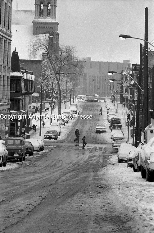 FILE PHOTO -  Snow  in Montreal, April 1973.<br /> <br /> Photo : Alain Renaud<br />  - Agence Quebec Presse
