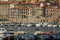 - Portoferraio (island of Elba) houses and tourist port   ....- Portoferraio (isola d'Elba) case e porto turistico