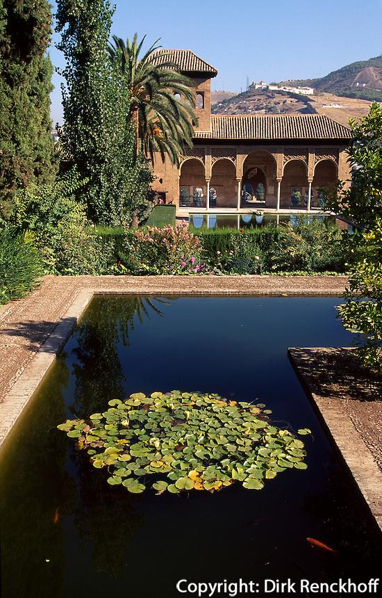 Gaerten Jardines de Partal in der Alhambra in Granada, Andalusien, Spanien, Unesco-Weltkulturerbe