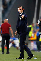 Calcio, Champions League: Juventus vs Siviglia: Torino, Juventus Stadium, 14 settembre 2016. <br /> Juventus coach Massimiliano Allegri gives indications to his players during the Champions League Group H football match between Juventus and Sevilla at Turin's Juventus Stadium, 16 September 2016.<br /> UPDATE IMAGES PRESS/Isabella Bonotto
