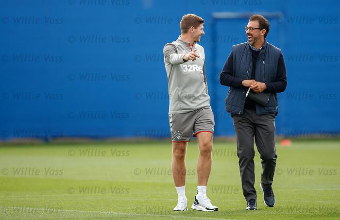 26.09.2018 Rangers training: Steven Gerrard jokes with Jovan Kirovski, LA Galaxy technical director